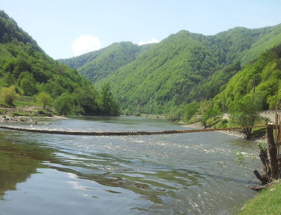 the valey of the Olt river