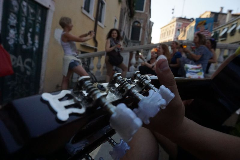 guitar playing in Venice