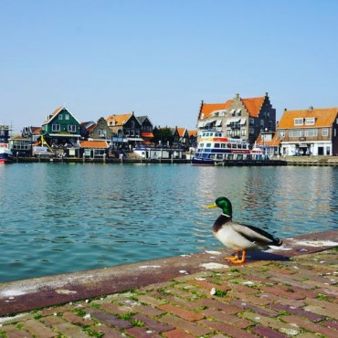 Day trip from Amsterdam – cycling to Volendam